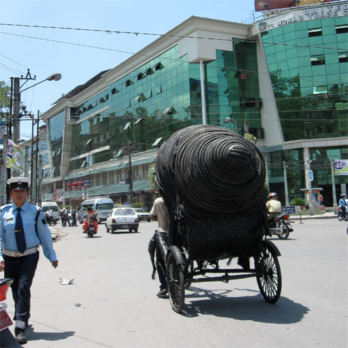 Puncture-in-public-planet-nepal-espace-project